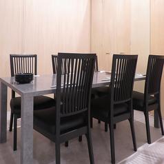 【完全個室】2名様用からご利用できるテーブル個室です。【仕切りをはずせば最大15名様迄収容可】