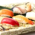 料理メニュー写真寿司 お任せ五種盛り合せ