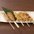料理メニュー写真おまかせ串焼き盛合せ(5本)