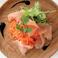 つくばアカネ鶏の生ハムとマンゴー風味の人参サラダ