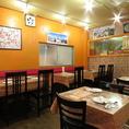 落ち着く店内は、お一人様のお客様や女性のお客様も入店しやすい雰囲気です。ランチやディナーなどにいかがですか♪広島で本場のインドカレーを食べるならここ!(広島 ランチ 女子会 会社宴会 インドカレー 各国料理 ナン カレー)