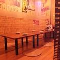 【2階】6~8名様用お座敷席。パーテーションで仕切れば半個室風。会社宴会や仲間のみ、合コン、女子会など様々なシーンに対応!