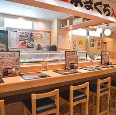 少人数でのご利用に、お一人様でのお食事に最適なカウンター席です。落ち着いた和の空間の中、お食事をお楽しみください。
