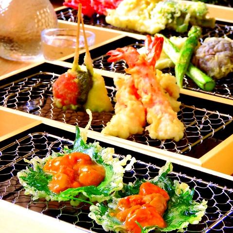 カウンターで揚げたてサクサクを楽しめる天ぷら専門店!