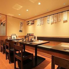 ご友人とのお買い物帰りのお食事に是非。座り心地の良いお席がございます。雰囲気の良い空間で楽しい時間をお過ごし下さい。