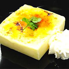 料理メニュー写真バニラドルチェのクリームブリュレ