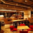 オーストラリア気分を味わうカフェ空間。居心地の良さについつい長居したくなる。