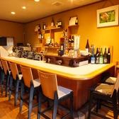 【カウンター×8席】お一人様も多い当店ではカウンター席もご用意しております。藤井寺駅から徒歩7分と好立地なので、会社帰りに一杯ゆっくり飲みたい気分の時やデートにもピッタリのお席です!