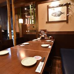 テーブルのお席は人数に合わせてレイアウトも自在☆