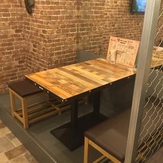大衆ビストロバル ゴクゴク 新宿西口店の雰囲気1