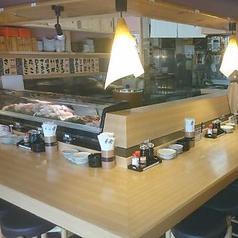 本格的に職人が握る寿司を臨場感あふれるカウンターでご堪能ください!