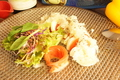 料理メニュー写真トマトとモッツァレラのサラダ