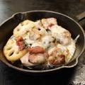 料理メニュー写真レンコンと鶏 梅しそチーズ焼き