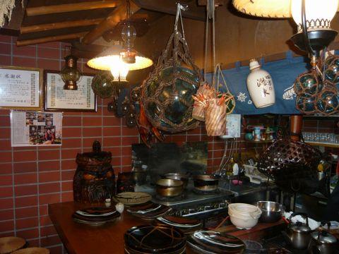 北海道から赤坂にきて43年目。癒しの空間で家庭料理をどうぞ。