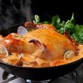 料理メニュー写真Amigo冬の名物!丸鶏とクレソンのフリフリ鍋(ハーフサイズ\2138/フルサイズ\2894)