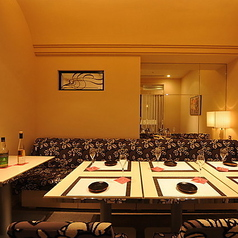 半個室。VIPルームとしてもご利用いただける人気のお席。ご予約はお早めに。