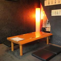座敷のテーブル席。2~10名までOK。