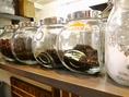 香り高い紅茶とお菓子で至福の時をお過ごしください…。