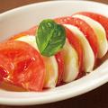 料理メニュー写真モッツアレラチーズのカプレーゼ