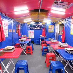 本場韓国をイメージした空間!もちろん今話題のTWICE・BTSも鑑賞しながらご飯を食べることもできます♪