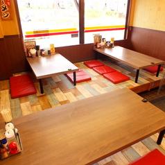 6名様座敷席×2 現在は右奥の1席は減らして現在2テーブルのみで、スペースを広くとってあります。