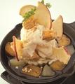 料理メニュー写真安納芋とりんごのホットメープルパイ