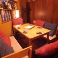 二階席は、大小様々な個室がございます。個室席の予約は、お気軽にお問い合わせ下さい。