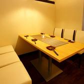 1階のテーブル席!!広々とゆったりお使いいただけます♪少人数宴会やご家族での利用にも◎