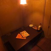 人気の個室空間。温かみのある証明!!落ち着いたスペースでゆったりお楽しみください。