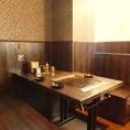 テーブル3名席3