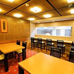 和室だけでなく蛤茶屋にはテーブル席もございます。