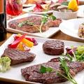 料理メニュー写真黒豚の炭火焼きステーキ/牛筋肉赤ワイン煮込み/牛肩のタダキ焼き
