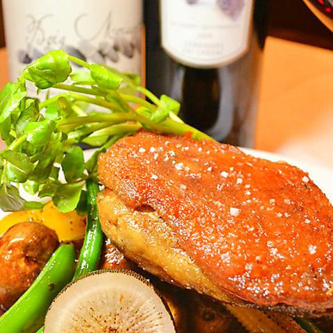 ハイコストパフォーマンスのビストロ料理と自然派ワイン満足度120%☆予約はお電話で