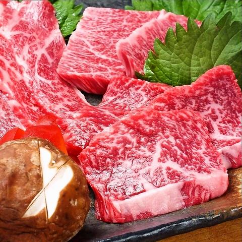飛騨牛・地元谷塚産の有機野菜など仕入れにこだわり、地元に愛され続ける炭火焼肉店!