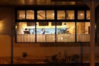 【イタリアの田舎街のような温かい空間と料理】