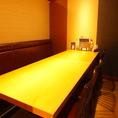 【テーブル個室】接待などにも最適な落ち着いた雰囲気のお部屋もご用意しています。横浜の喧噪を離れて、プライベートなお時間をお過ごし下さい。宴会、記念日などにおすすめなコースも種類豊富!腕の良いシェフが新鮮な鮮魚、野菜を使った厳選料理を多数ご用意してお待ちしております。横浜にお立ち寄りの際は是非当店へ!