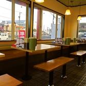 2名掛けテーブルもございます。