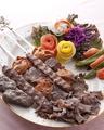 料理メニュー写真カルクシュク ケバブ Assorted Kebabs