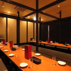 8名様まで座れる堀ごたつ個室が多数!壁は可動式なので、大人数用にレイアウト可能です。