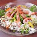 料理メニュー写真鮮魚と甘エビのカルパッチョ