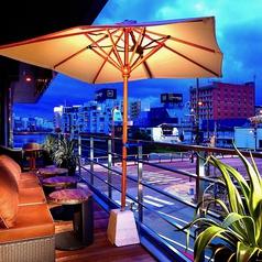 ◆那珂川を望むテラス席。眼下に広がるのは博多の名所、那珂川。最大20名までご利用いただけますので少人数でのテラスパーティーも楽しめます!