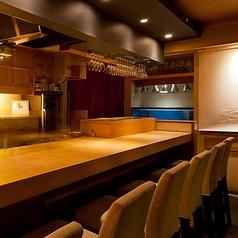 職人技を眺めながらお食事を楽しめる人気席 人気につき、早めのご予約をオススメしております。