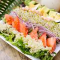 料理メニュー写真ハワイアンローカル・コブサラダ(有機ベビーリーフ/レッドオニオン/スプラウト/キヌア)