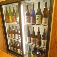 厳選地酒が30種類以上と豊富なラインナップ