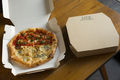 料理メニュー写真LIFEのピッツァはテイクアウト可能!