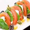 料理メニュー写真トマトのモッツァレラチーズのカプレーゼ