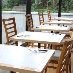 ランチからディナーまで、サラダバー&グリル料理がお楽しみ頂けます。お集りなどにも気軽にご利用ください♪