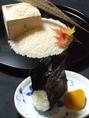 """≪食材へのこだわり≫ミネラルたっぷりの岩清水から育まれた島根県仁多郡奥出雲町産の""""仁多米""""は、自然の味わいをご堪能頂けます。"""