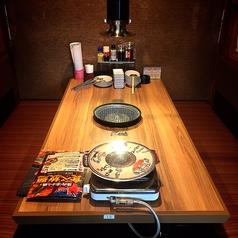6名様までOKのテーブル席。お友達と、ご家族と、ご同僚の方とワイワイ食べ放題をお楽しみください♪