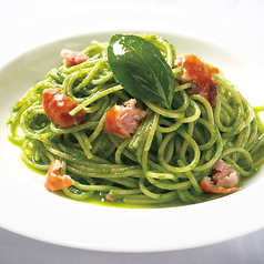 バジルとソーセージのスパゲッティ